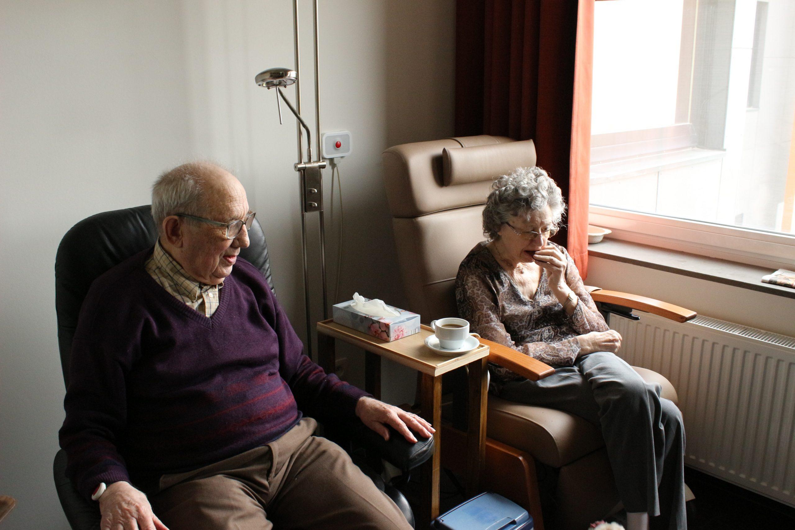 KRÖNIKA: Äldres oro och ensamhet – ett underskattat hot mot folkhälsan?