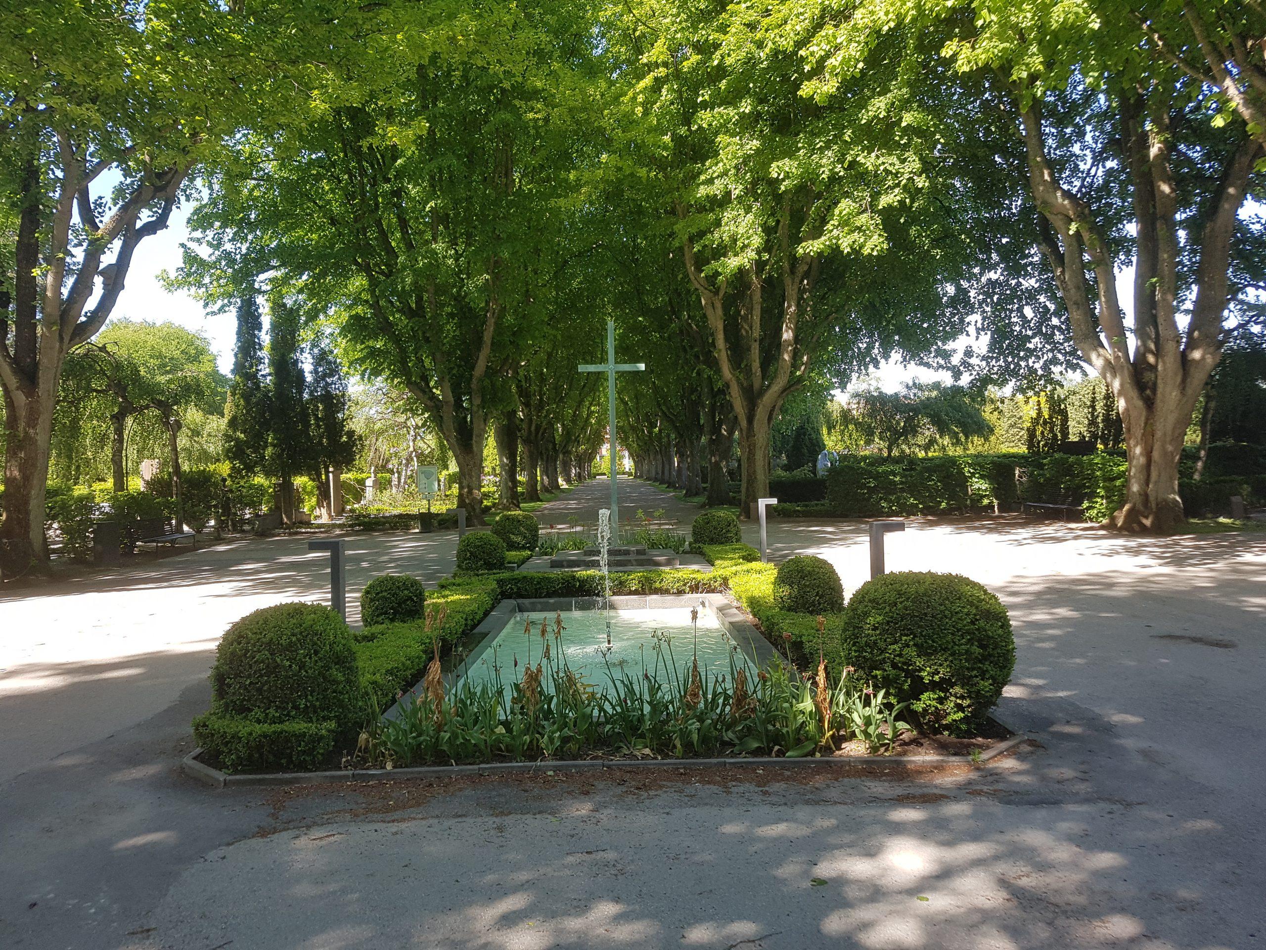 SOMMARSPECIAL: Promenad på två kyrkogårdar i Lund