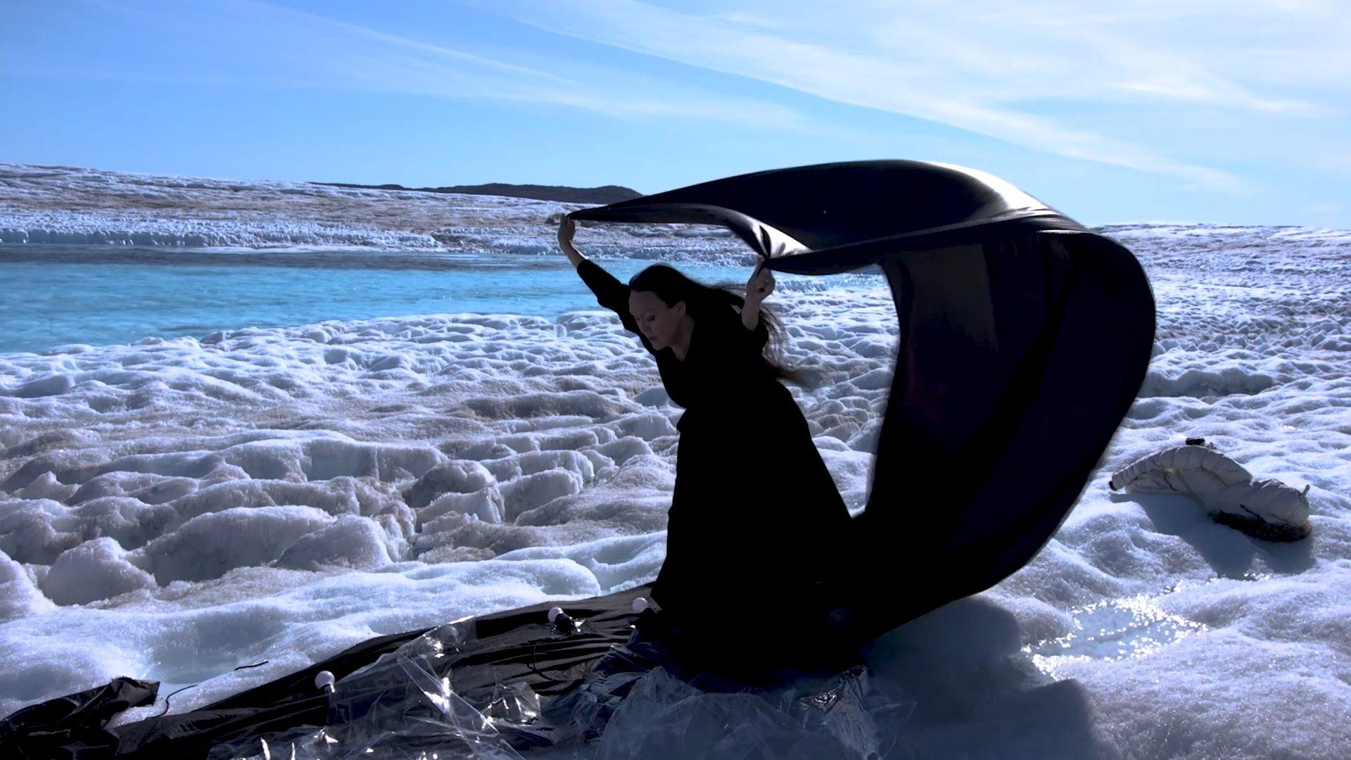 RECENSION: Grönland, toppen av ett isberg?